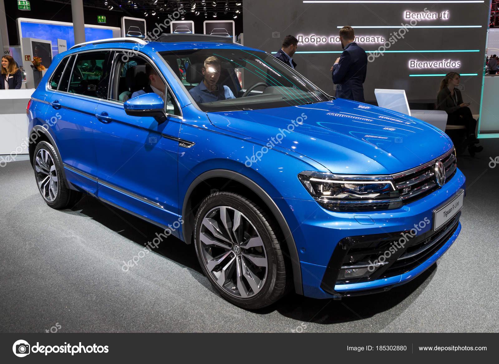 Volkswagen Tiguan R-Line car