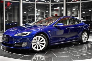 tesla-model-s-hatchback-36e03436e58f